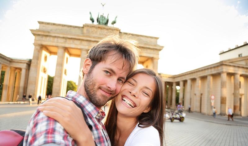 Auch Berlin steht ganz oben auf den Zielen, die in Europa gut ankommen. Die deutsche Hauptstadt gilt als besonders attraktiv und wird gerne auch für einen kleinen Ausflug über das Wochenende ins Auge gefasst. (#02)