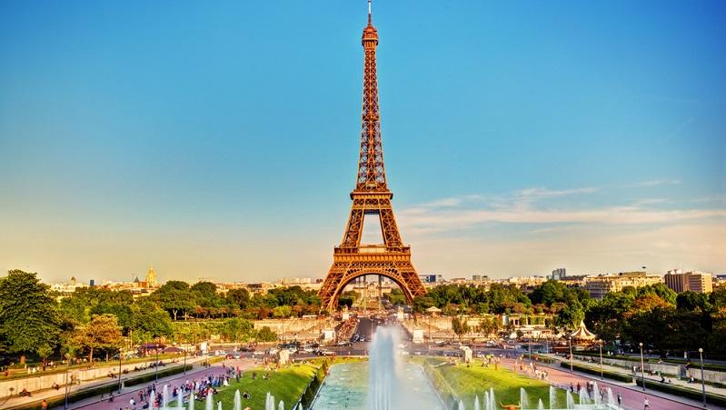 Bei der Planung einer Reise nach Europa gibt es viele Punkte zu bedenken. Egal, ob es nach Frankreich oder Berlin gehen soll – die Finanzen sowie die Location für den Urlaub spielen bei der Auswahl eine große Rolle. (#01)