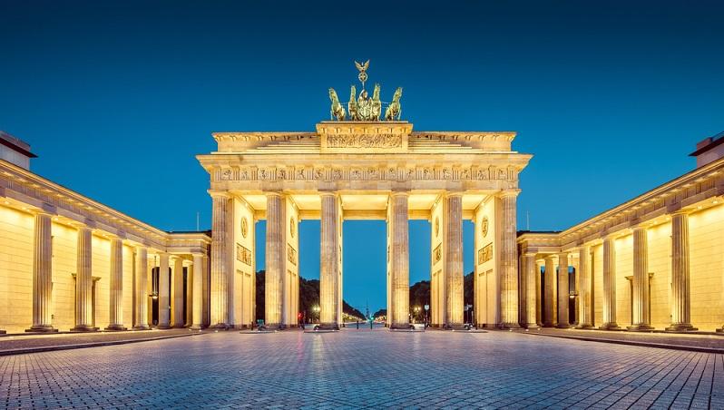 Das Brandenburger Tor gehört zu den Wahrzeichen von Berlin überhaupt. (#01)