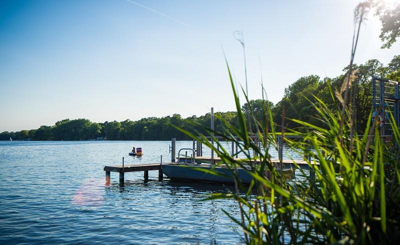 Badeseen Berlin: Der Halensee befindet sich im Grunewald und gehört zur Grunewaldseekette. (#05)