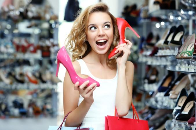 Ob die Schuhe sprechen werden, das wissen wir nicht. Was wir aber garantieren können, dass es im Boulevard Berlin eine riesige Auswahl an Schuhen und anderer Mode gibt. (#3)
