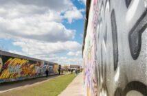 East Side Gallery: Geschichte der Mauer und Mauerkunst