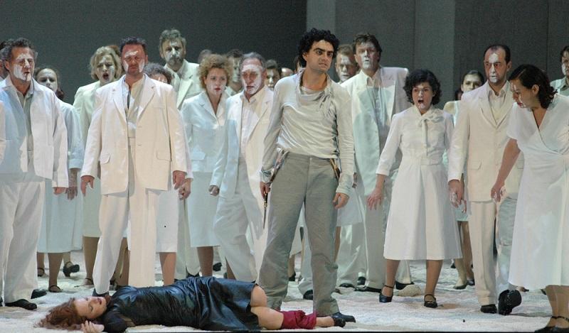 Die Staatsoper Unter den Linden bietet neben einem erstklassigen Sängerensemble dem Staatsopernchor und der Staatskapelle Berlin hervorragende Opernunterhaltung mit Weltstars. (#03)