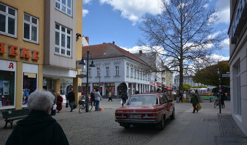 """So erklärt sich, warum die Spandauer Vorstadt auch gerne als das """"Scheunenviertel"""" bezeichnet wird. (#01)"""