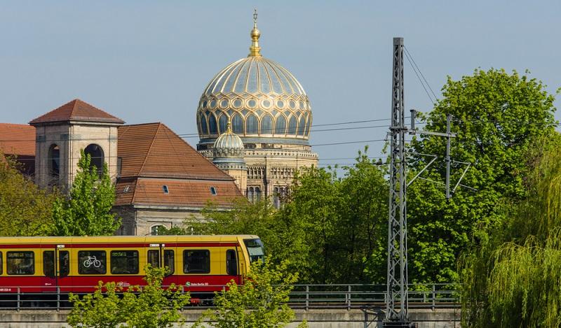Die Kuppel der Neuen Synagoge ist das Wahreichen des Quartiers, auf fast allen Fotos zur Spandauer Vorstadt zu sehen. (#04)