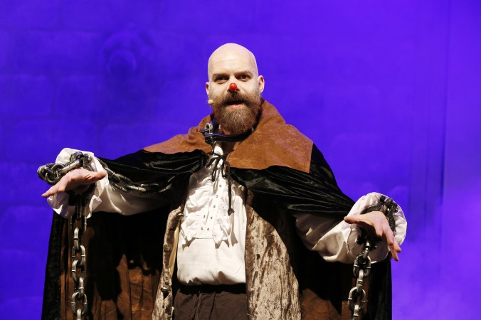 Das Gespenst von Canterville, vor dem sich Niemand so richtig fürchten mag. Mathias Kusche ist Sir Simon.