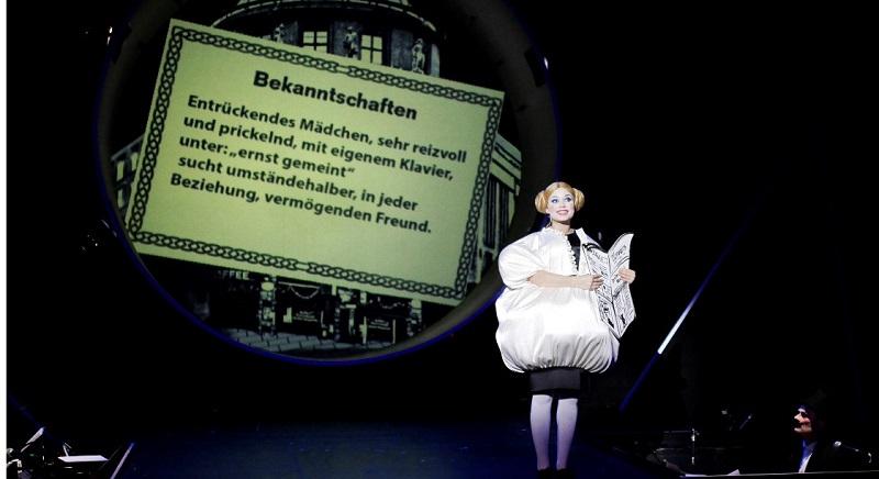 """Mit dem Stück """"Alles Schwindel"""" knüpft der Regisseur Christian Weise an die Geschichte des Revuetheaters im Berlin der """"goldenen Zwanziger Jahre"""" an."""