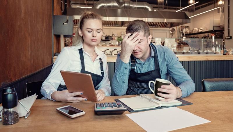 Eine Bonitätsprüfung hat gezeigt, dass eine negative Bonität vorliegt. Das heißt, die Kreditwürdigkeit ist nicht ausreichend und ein Kreditantrag wird abgelehnt werden. ( Foto: Shutterstock- dpVUE .images)
