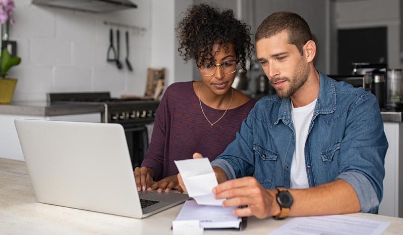 Sollen Kredite verglichen werden, sollten besser keine Kreditanfragen gestellt werden. (Foto: Shutterstock-Rido)
