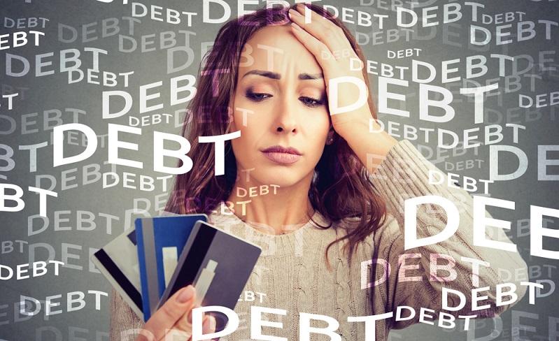 Wer viele Konten und Kreditkarten hat, wird seitens der SCHUFA als weniger kreditwürdig eingestuft. (Foto: Shutterstock-pathdoc )